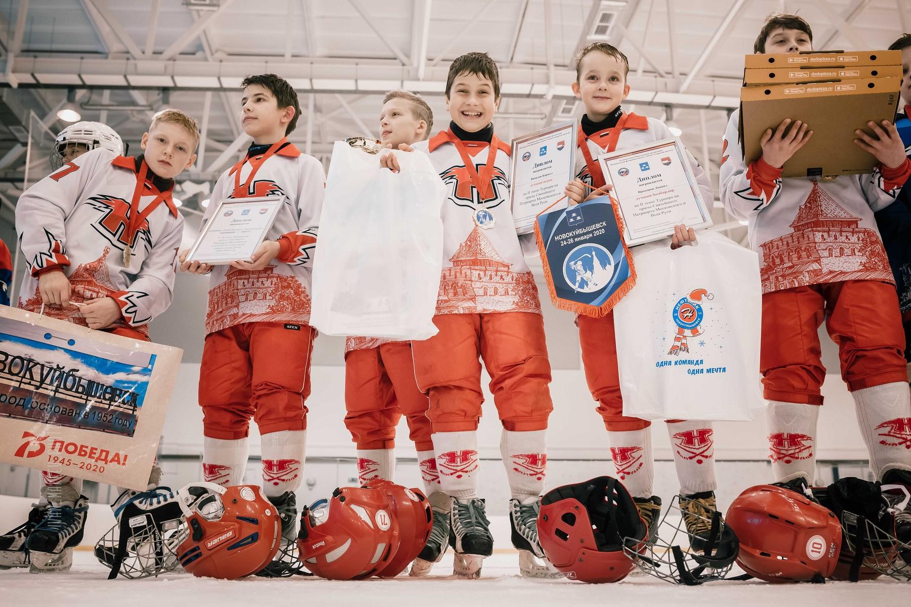 Новокуйбышевск принял турнир по русскому хоккею!