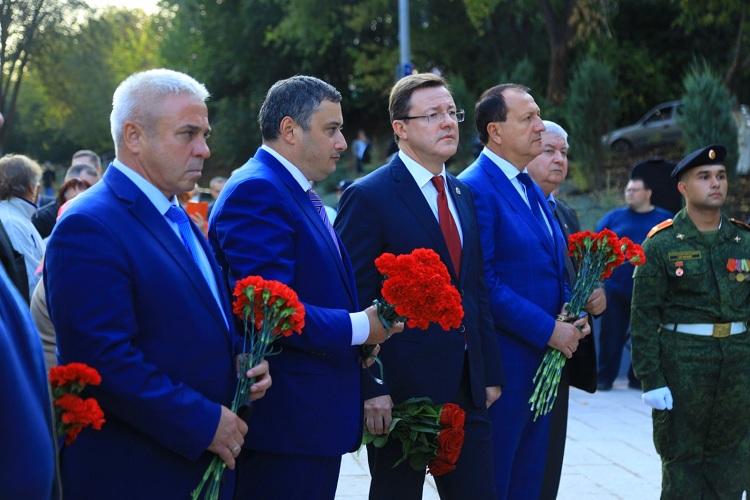 Новокуйбышевск посетил губернатор Д.И.Азаров и депутат Госдумы А.Е.Хинштейн